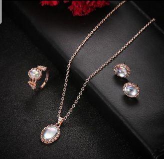 Beautiful Moonstone Jewelry Set