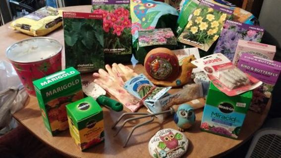 Spring time Garden time ,semi mystery auction.free shipping .as the bid goes up so does the items.