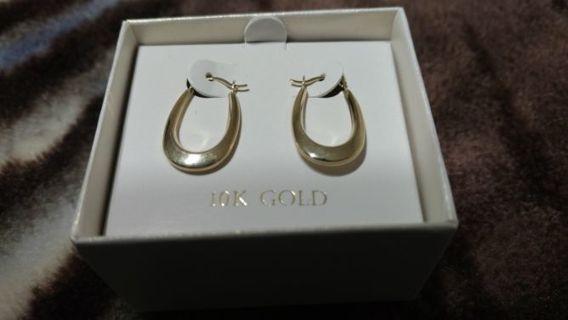 BEAUTIFUL 10K GOLD EARRINGS