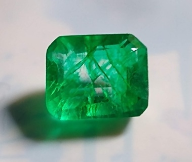 EMERALD NATURAL FROM ZAMBIA 7.36 CARATS AND 10X12 MM BEAUTIFUL GEMSTONE AT A STEAL OF A DEAL PRICE.