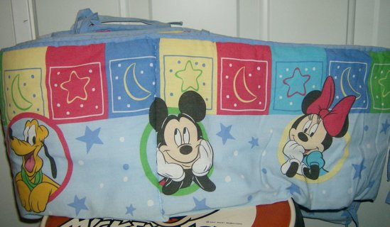 *DISNEY* Mickey And Minnie Mouse And Pluto Crib Bumper Free Gift That Matches Bumper Pad If GINNED!!