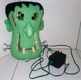 "FRANKENSTEIN light-up Halloween plug-in lantern - 9"" tall X 6"" wide - VG condition"