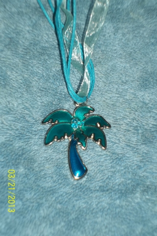 Palm Tree Necklace New