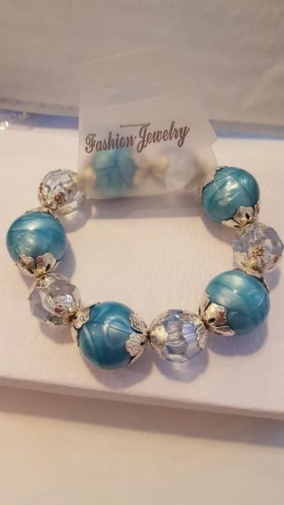 ☆ FREE SHIPPING & BRAN NEW ☆ Absolutely beautiful marble blue bracelet