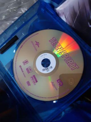 TEEN SPIRIT MOVIE BLU-RAY DISC ONLY STARRING ELLE FANNING