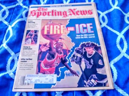 1992 Sporting News - Michael jorden & Wayne gretsky cover
