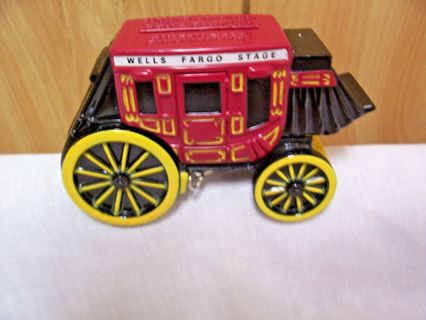 1998 Wells Fargo Stage Coach Coin Bank with Keys!