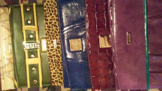 LADIES OVER 100 ITEMS> MICHE CLUTCH BAGS BAGS,7 DANIELLE STEEL BOOKS, PURSES, CRAFTS, TONS OF STUFF