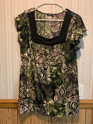 PRETTY WOMEN'S PLUS SIZE TOP