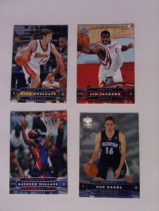 4 Nice foil Basketball Cards!