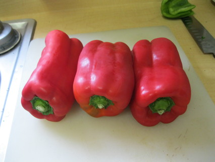 10+ Large Red Bell Pepper Seeds