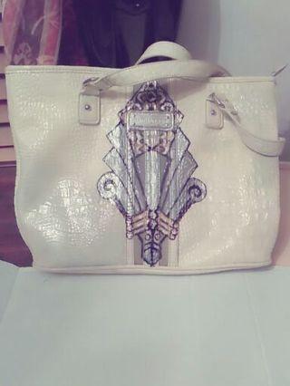 Vintage white leather shoulder bag hand painted