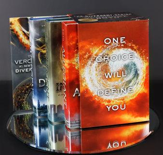 Divergent Trilogy Hardcover Box Set Divergent / Insurgent / Allegiant + Bonus Paperback Book