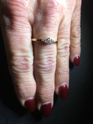 Starlight Midi Fashion Ring - Very Pretty! size 7 1/2 - Brand New! Great Gift Item! Ships FREE!