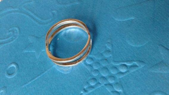 Silvertone Ladies Fashion Ring