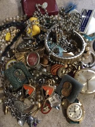 Jewelry lot mixed broken & good