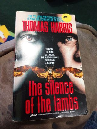 The Silence of the Lambs by Thomas Harris (paperback)