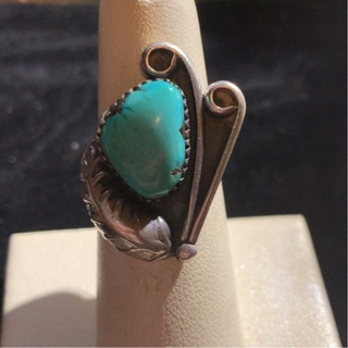 ANTIQUE STERLING SILVER AND TURQUOISE RING SIZE 5.5 NATIVE AMERICAN MADE