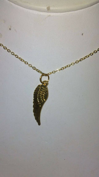 """Yellow Gold Plate Wing Pendant with 18"""" Chain"""