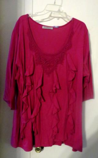 size 26/28  hot pink flutter 3/4 sleeve top