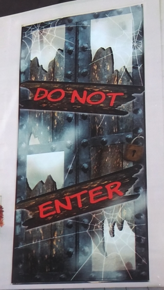 HALLOWEEN DOOR COVER DECORATION DO NOT ENTER 30 INCH X 72 INCH LOT 2