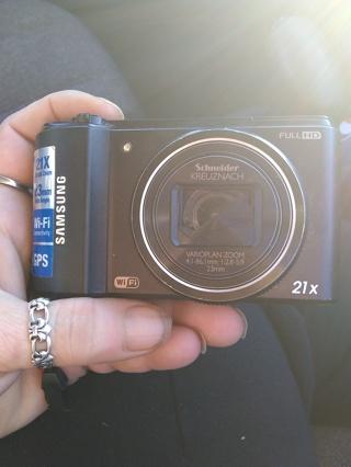 Samsung full HD digital camera