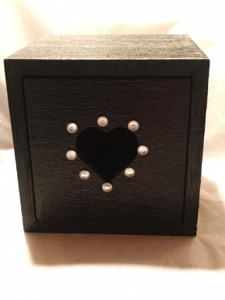 BLACK HEART TRINKET BOX
