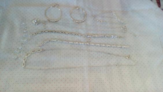Large Silvertone Metal Jewelry Bundle: EUC