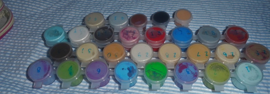 Acrylic Paint - Very Useable - qty 36