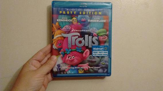New Trolls  Blu-Ray + DVD + Digital HD Code Combo Pack