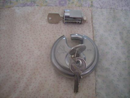 2 Heavy Duty Padlocks With Keys
