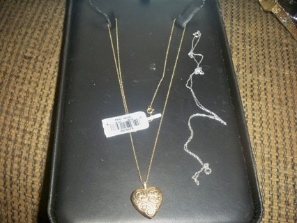 10K REVERSIBLE TWO TONE LOCKET WITH EXTRA CHAIN