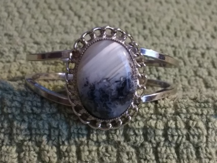 Beautiful Silver and Agate Bracelet