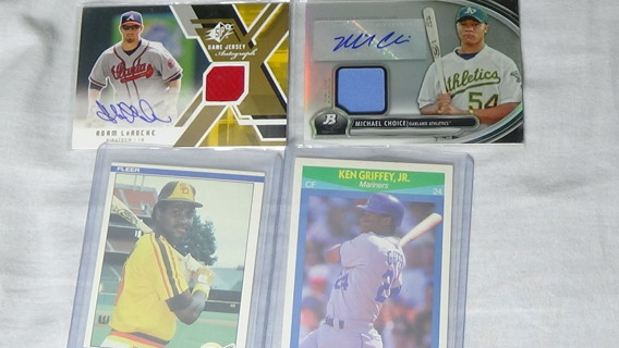 LOT OF 4 BASEBALL CARDS VERY GOOD CONDITION