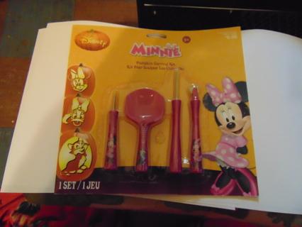 Minnie Pumpkin Carving Kit