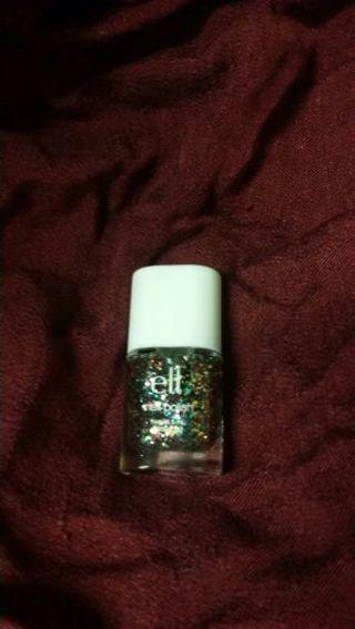Small bottle of E.L.F fingernail polish