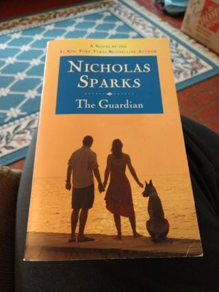 The Guardian by Nicholas Sparks (paperback)