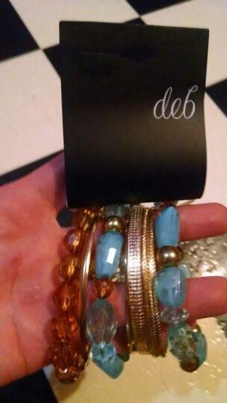 ***BNWT*** Bracelet set
