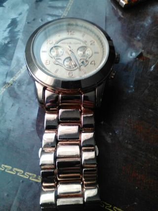 Rose Gold Copper Colored Mens Style Dial Watch Needs Batteries.. FREE SHIPPING