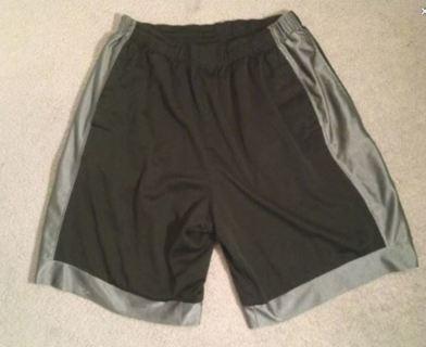 1 Pair Basketball shorts black with grey trim