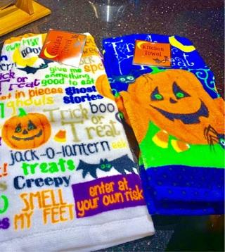 Set of 2 Brand New Halloween Kitchen Towels