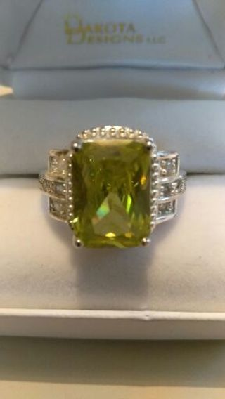 SALE!!!!!!! VINTAGE STERLING SILVER 925 Green Amythest/ Rhinestone Cocktail Ring Size 10