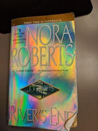 Nora Roberts - River's End - paperback novel
