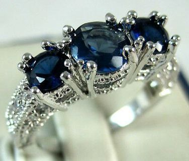 Charming Women 925 Silver Sapphire Three Stone Ring Engagement Bridal Jewelry