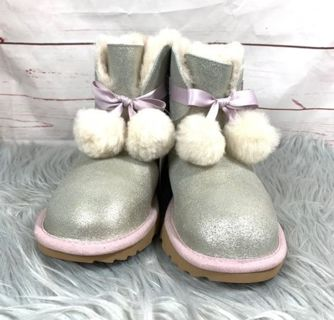 Brand new UGGS size 6