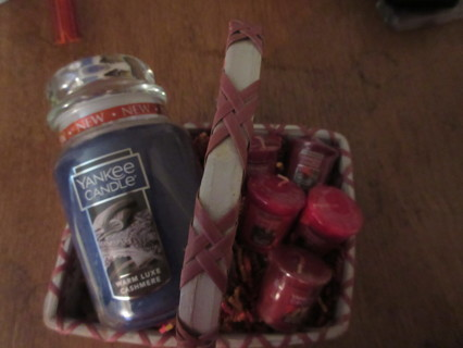 Brand New Yankee Candle Gift Basket