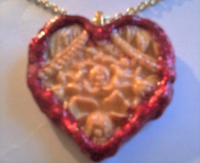 """HEART AND FLOWERS PENDANT WITH 20"""" CHAIN NECKLACE"""