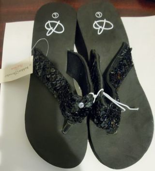 Brand New Sequence Sandals Flip Flops Size Large 9-10