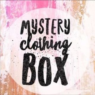 ❤ Small and Medium highend clothing bundle/box ❤