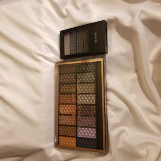 2 makeup palettes New never used.